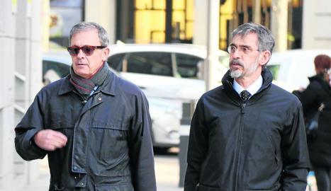 Pujol Ferrusola, a l'esquerra, a l'arribar a l'Audiència Nacional.