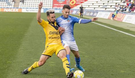 Raúl, autor del primer gol del Lleida, va lluitar tot el partit en atac.
