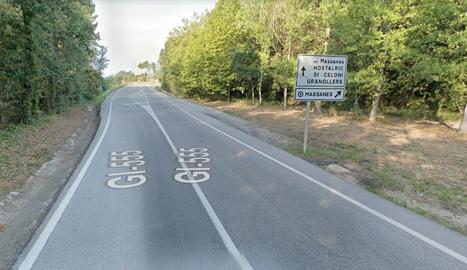 Tram de la carretera GI-555 a prop de Massanes.