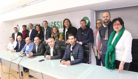 Alcaldes, Plataforma, organitzacions agràries, la patronal de la fruita, Afrucat, i cooperatives van presentar la tractorada a Alcarràs.