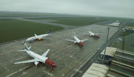 Imatge dels Boeing 737 aparcats a Alguaire.