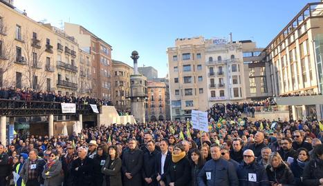Divendres, 14 de febrer de 2020. Amb cinc columnes de tractors i centenars de manifestants