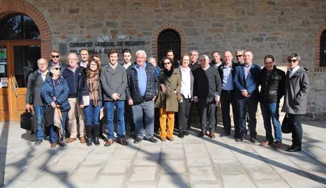 Els familiars es van reunir amb els representants del Canal d'Urgell.