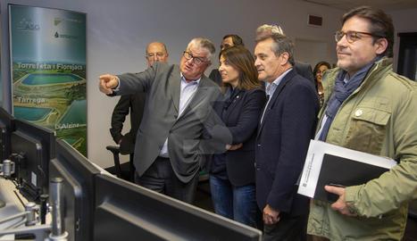 La consellera de la Presidència i portaveu del Govern, Meritxell Budó, ha visitat la seu del Canal Segarra-Garrigues a Tàrrega.