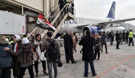 Alep va reobrir ahir l'aeroport després d'estar vuit anys tancat pels combats.