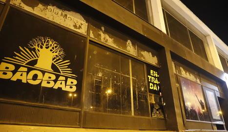 L'exterior de la discoteca Baobab.