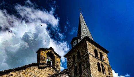 L'església romànica de la Purificació de Bossòst.