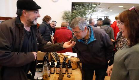 Bellaguarda promociona l'oli i el cultiu de tòfona
