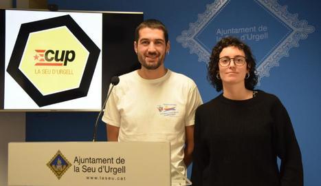 Bernat Lavaquiol i Xènia Antona, edils de la CUP.