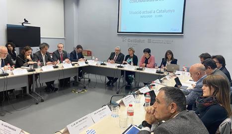 La consellera Vergés i el secretari Guix han encapçalat la reunió per a la coordinació de l'estratègia de malalties transmissibles emergents d'alt risc, amb representants de tots els Departaments i delegats territorials.