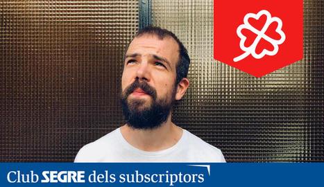 Yuri Méndez Barrios, més conegut com Pajaro Sunrise, és un cantant, músic, compositor i productor discogràfic espanyol.