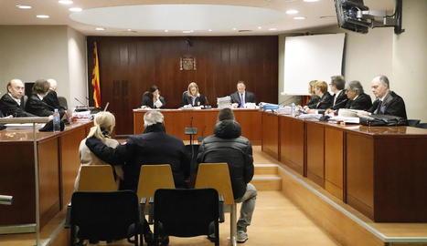 Imatge dels acusats al banc de l'Audiència.