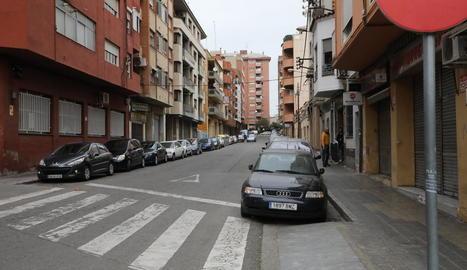 Imatge del carrer Germans Izquierdo, ahir a la Mariola.