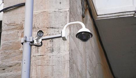 Els veïns demanen que es reparin les videocàmeres del Centre Històric