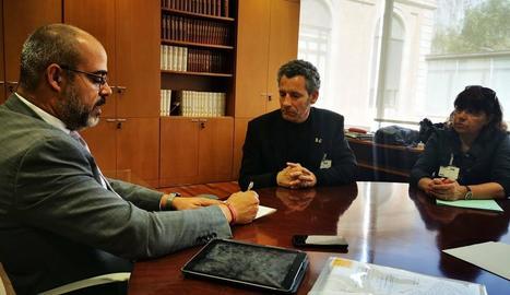 Miquel Buch, Gerard Balcells i la delegada d'Interior a Lleida, Montserrat Meseguer.