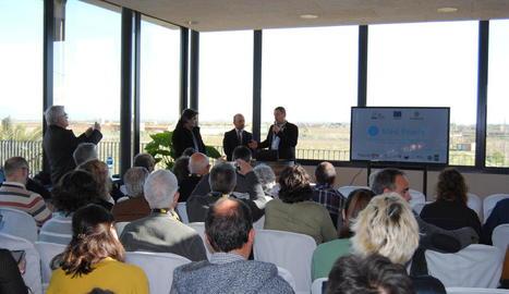 Presentació ahir de la prova pilot al Celler de la Vinya dels Vilars d'Arbeca.