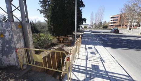 Imatge de la nova vorera a Joc de la Bola, on abans no estava urbanitzat.