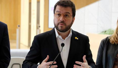 Aragonès qualifica la monarquia d'institució
