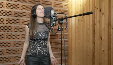 Emília Rovira publicarà el seu primer àlbum en solitari a l'abril.