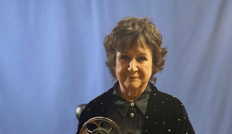 L'actriu catalana amb el premi.