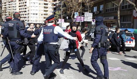 L'acte institucional unitari de Lleida es va celebrar a la plaça 8 de Març.