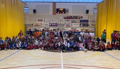 Jornada educativa i de valors en l'esport amb 'dodgeball' per a 140 alumnes del Pla