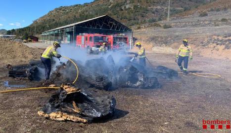 Sufoquen un incendi en una explotació a Bellver de Cerdanya