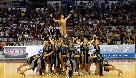 Una edició anterior del campionat de Grup Xou de patinatge a Lleida.