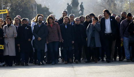 Jové i Salvadó van arribar ahir al TSJC acompanyats per destacats dirigents de l'independentisme.