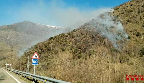 Incendi d'habitatge a Sanaüja i de vegetació a Vall de Cardós i a Alcoletge