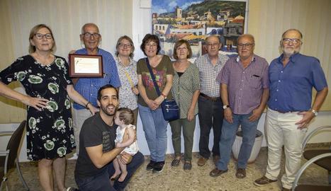 Membres de l'associació, a l'homenatge que va rebre l'entitat l'agost a l'ajuntament de Torà.