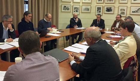 Un instant de la reunió del consell d'administració de l'EMU, ahir al matí.