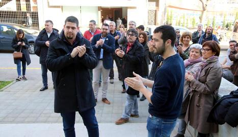 Tribunals - Marta Colell i Jaume Ricart, edils d'ERC a la Jonquera i investigats pel tall de l'AP-7 després de la publicació de la sentència de l'1-O, es van acollir ahir al dret a no declarar. Desenes de persones els van donar suport als  ...
