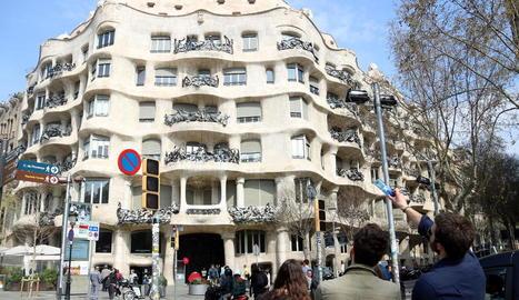 La sala Manolita, ahir a la tarda, un dels locals de lleure de Lleida que tancaran aquest cap de setmana.