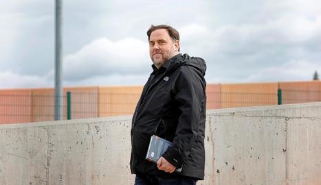 El president d'ERC, Oriol Junqueras, en la primera sortida de la presó de Lledoners per anar a treballar.
