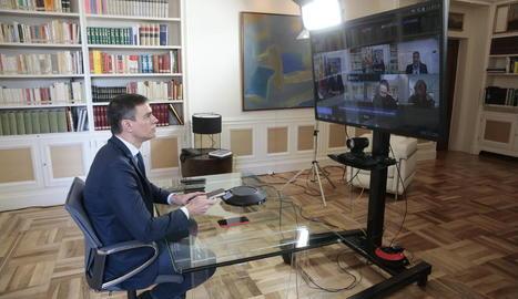 Pedro Sánchez presidint per videoconferència la reunió interministerial per al seguiment de mesures pel coronavirus.