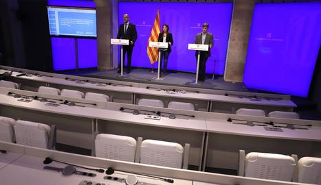 Els consellers, ahir a la compareixença de premsa ahir des del Palau de la Generalitat.