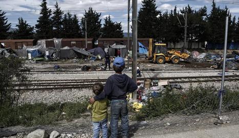 La situació als camps de refugiats grecs és insostenible.