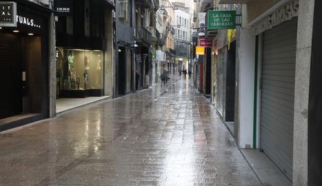 El carrer Major de Lleida aquest dilluns.