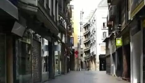 El carrer Major de Lleida, buit