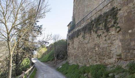 La muralla medieval de Torà.