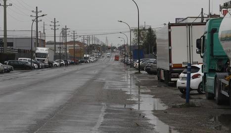 Els carrers del polígon industrial El Segre mantenen aquests dies una imatge de certa normalitat, malgrat les restriccions.