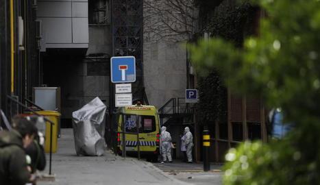 Ingrés dels primers pacients no greus a l'Hotel Colón de Madrid.
