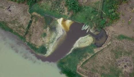 Vista aèria del riu Citarum, a Indonèsia, el més contaminat del món.