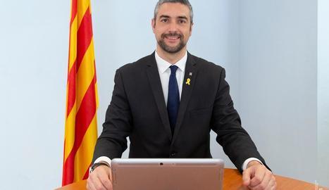 El nou conseller d'Exteriors, Bernat Solé, en la presa de possessió telemàtica del seu càrrec.