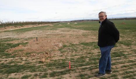 El president de l'Horta de Lleida, Joan Antoni Boldú, al costat de la zona on comencen les obres.