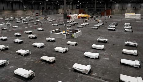 Un pavelló d'Ifema a Madrid s'ha convertit en un macrohospital amb més de 1.300 llits.