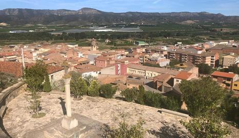Vista panoràmica de la Granja d'Escarp des de la Creu del Calvari.