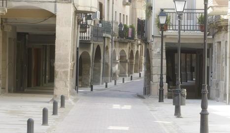 Imatge d'arxiu del carrer Major de Juneda.
