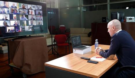 El president de la Federació Espanyola de Futbol, Luis Rubiales, durant la seua videoconferència.
